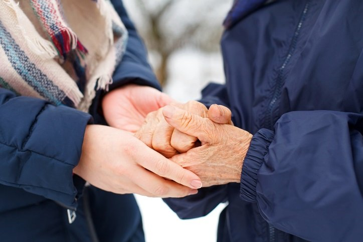 7 Natural Ways to Manage Arthritis During the Winter