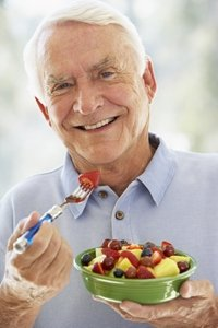A healthy diet is important for seniors who have dementia.